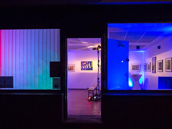 wasserbilder k nstlergruppe blaue ampel. Black Bedroom Furniture Sets. Home Design Ideas